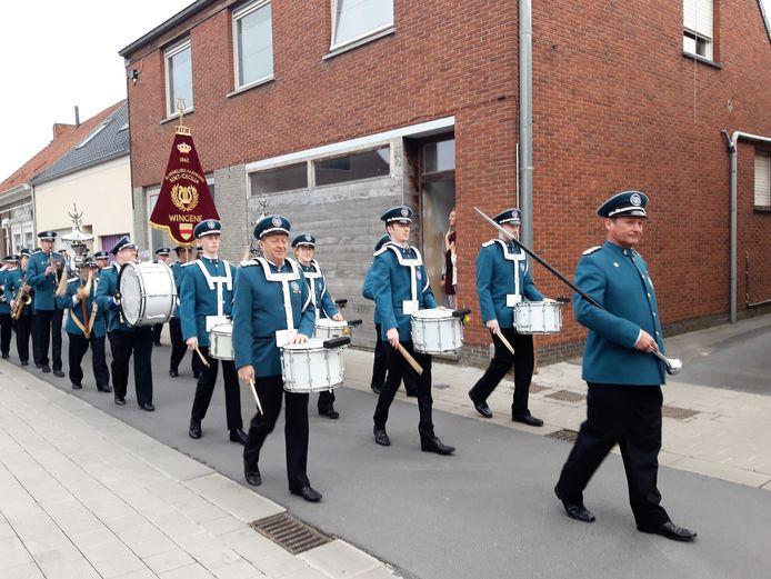Koninlijke Harmonie Sint-Cecilia Wingene zorgde voor een feestelijk tintje tijdens de inhuldiging van de vernieuwde Kaplotestraat