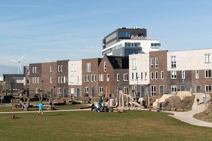 Nieuwbouwwoningen in de nieuwbouwwijk Noorderhaven. Als het aan de gemeenteraad van Zutphen ligt blijft het niet bij nieuwe woningen in deze week. Wethouder Mathijs ten Broeke moet aan de slag om woningzoekenden bij te staan.