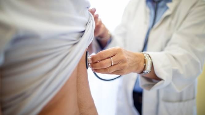"""Menace de sanctions pour les malades de longue durée: """"La stigmatisation ne contribue pas à une meilleure santé"""""""