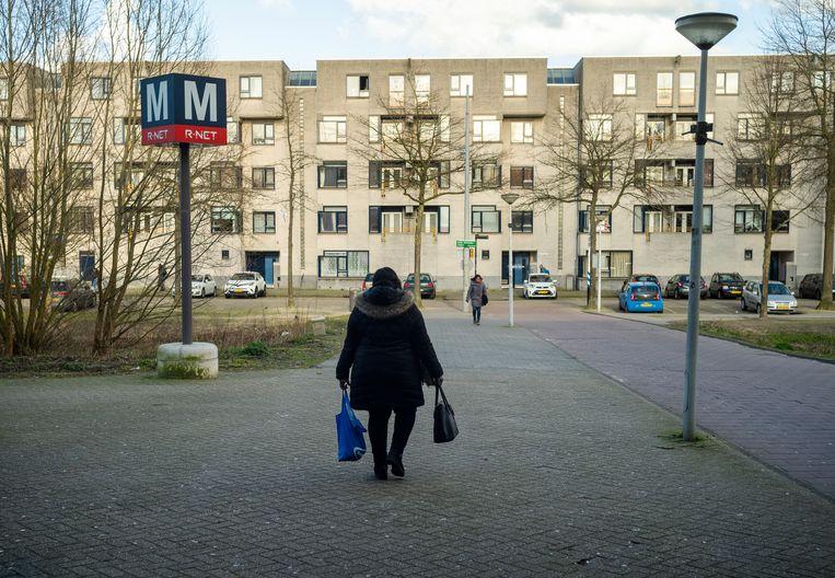 Bij metrostation Strandvliet in Amsterdam-Venserpolder. Beeld Jiri Büller