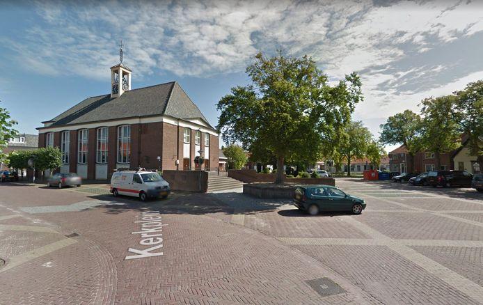 Het Kerkplein in Bruinisse gaat als eerste op de schop en wordt een gezellig 'verblijfsgebied' met speelgelegenheid.
