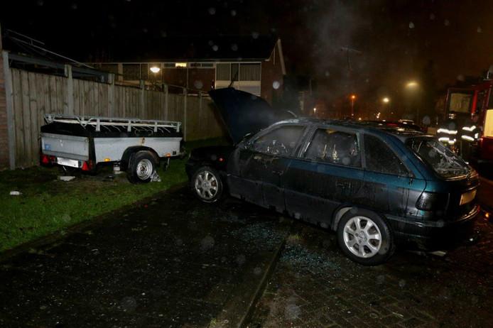De zesde autobrand van dit weekend in Den Bosch.