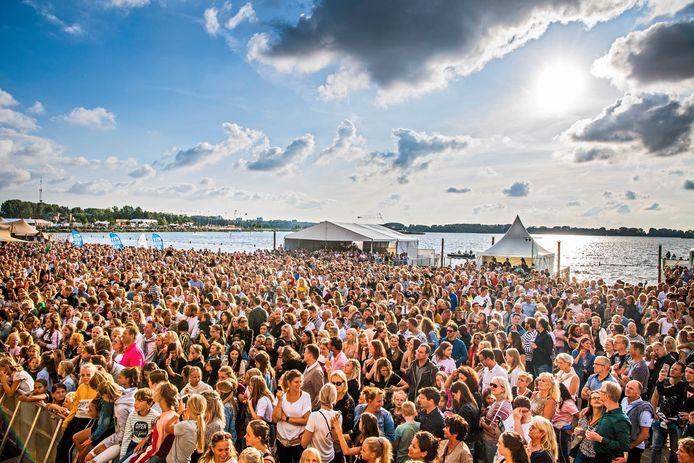 Het eet- en muziekfestival Culinesse, eind augustus verspreid over drie dagen in Rotterdam-Nesselande, lijkt volgens de organisatie opnieuw te stranden.