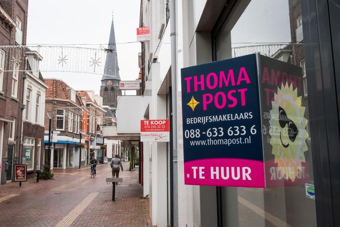 De grote leegstand van winkels is veel Almelose kiezers een doorn in het oog.