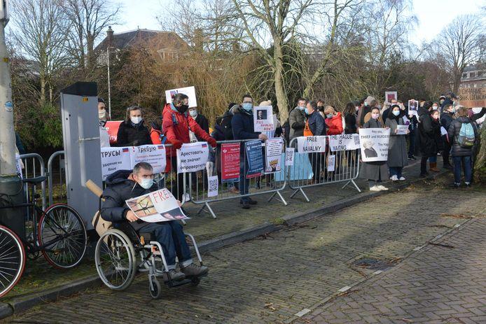 In Den Haag wordt gedemonstreerd voor de vrijlating van oppositieleider Aleksej Navalny.