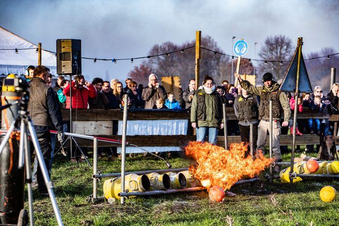 Mogen we tijdens de komende jaarwisseling nog carbidschieten? Als het aan de boa's ligt, gaat ook dat dit jaar niet door.