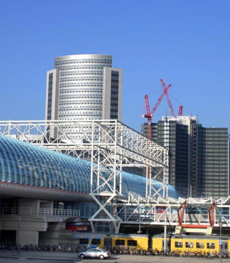 Onrust onder passagiers na bomdreiger (21) Amsterdam Centraal: 'Het was spannend'