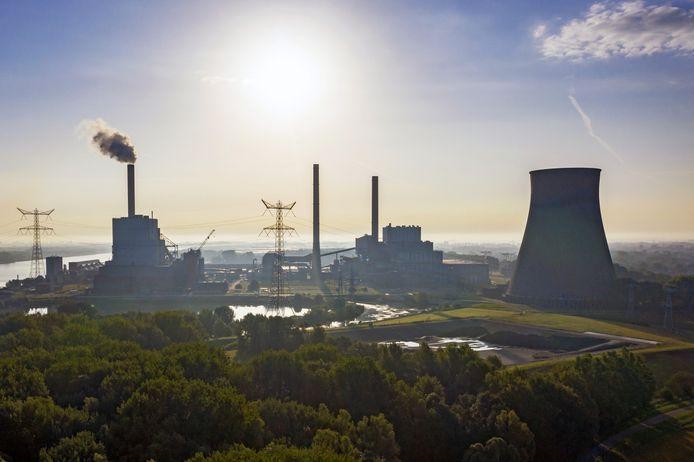 De Amercentrale in Geertruidenberg. Voor een belangrijk deel draait deze centrale op het verbranden van biomassa dat de laatste tijd ter discussie is komen te staan.