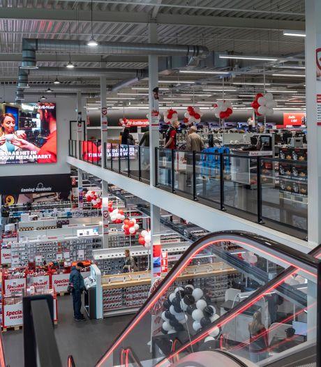 MediaMarkt geopend in Bergen op Zoom: 'Zo fijn dat we hier gratis kunnen parkeren'