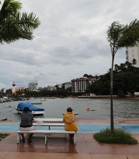 Orkaan Rick komt aan land in Mexico: waarschuwing voor levensbedreigende stortvloed