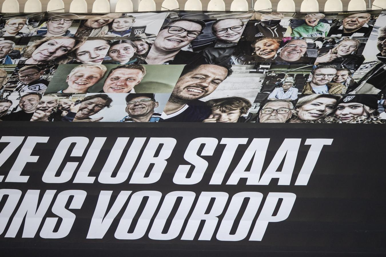 Supporters van Heracles Almelo kunnen een afbeelding van hun eigen gezicht ophalen, mits die op een van de spandoeken stond.