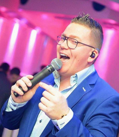 Losserse zanger Marco Gevers laat niets aan het toeval over: 'Het zou geweldig zijn als ik me helemaal op het zingen zou kunnen storten'