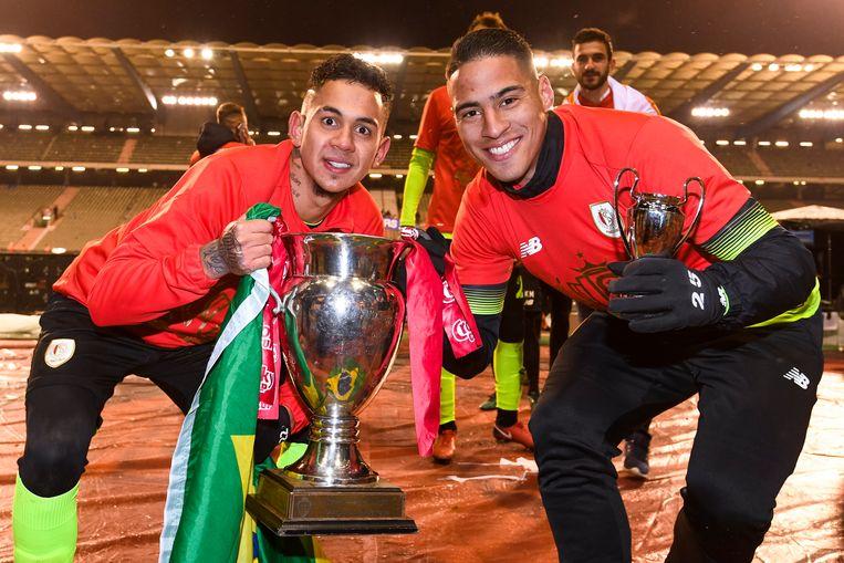 Junior Edmilson (links) en Carlinhos (rechts).