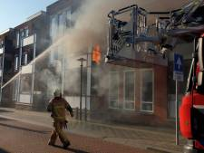 Uitslaande brand in Enschede, appartement loopt grote schade op