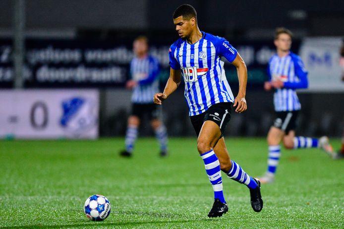 Mawouna Amevor in actie voor FC Eindhoven.