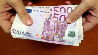 Hij ontvangt per vergissing 177.000 euro op zijn rekening en verdwijnt met de noorderzon