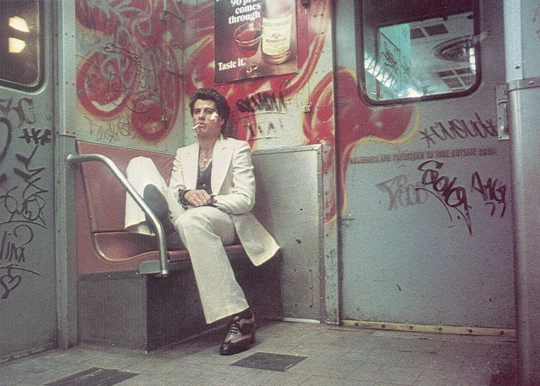 John Travolta in Saturday Night Fever.  Beeld null