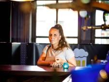 Sanne (25) uit Meppel kreeg ghb in haar drankje en richt zich tot de dader: 'Je bent te laf voor woorden'
