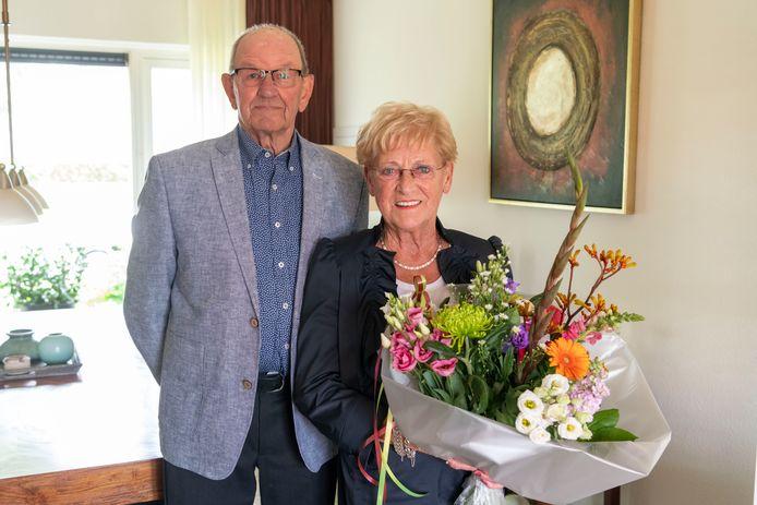 Burgemeester Kleijngeld bezocht deze week het bruidspaar Vesters-Wijkmans