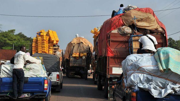 Mensen ontvluchten de Centraal-Afrikaanse Republiek Beeld ANP