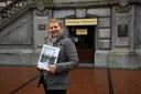 Anika De Backer schreef het boek Hwata Haru over de geschiedenis van Wetteren