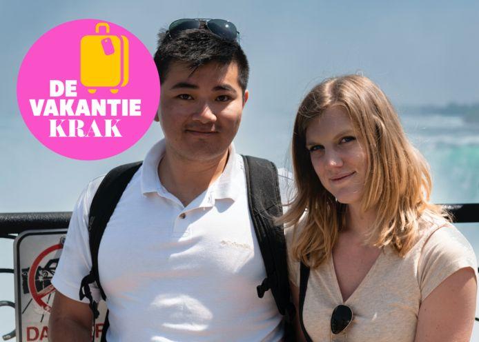 Joyce en haar vriend in Canada, bij de Niagara Falls.