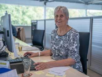 """Denise (71) al 50 jaar administratief medewerkster bij hetzelfde bedrijf: """"Vervelen? Nooit. Het houdt me jong!"""""""