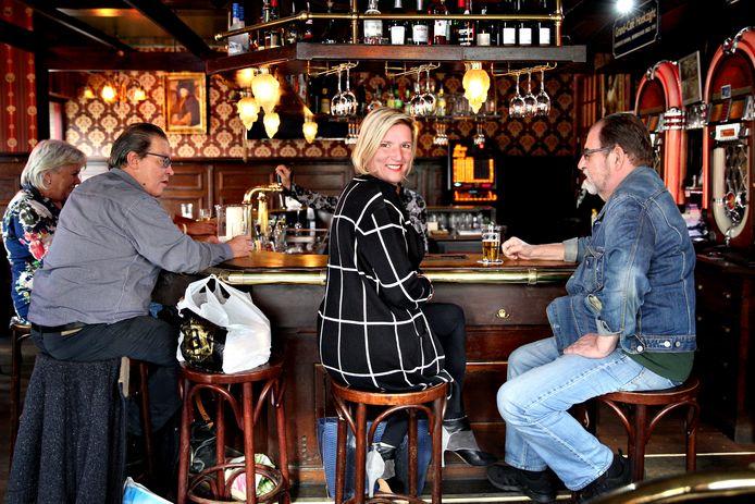 De verhalen voor haar columns zal Marianne van den Anker overal uit de samenleving halen.