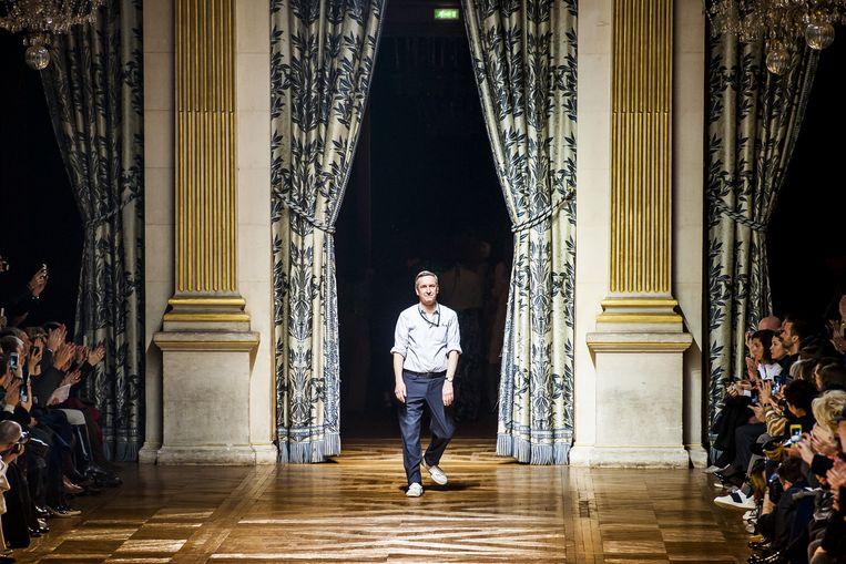 Dries Van Noten viel op met een mode-expo die meerdere kunsten combineerde. Beeld Stefaan Temmerman