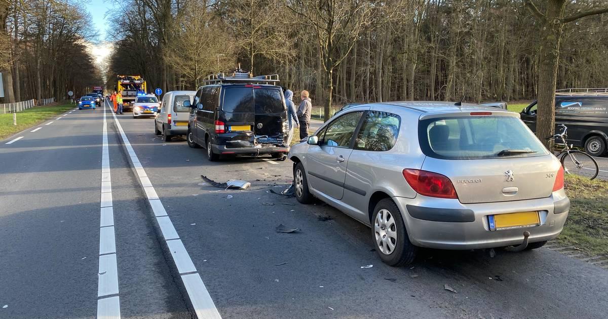 Flinke verkeershinder op N35 bij Raalte door dubbele aanrijding.