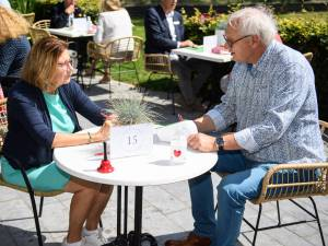 Op speeddate met 30 60-plussers in Enschede: zo vind je wél die nieuwe liefde