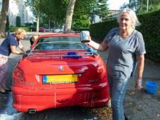 Verjaardag met een bittere nasmaak: onbekenden gooien blik verf over Peugeot van 65-jarige Alike