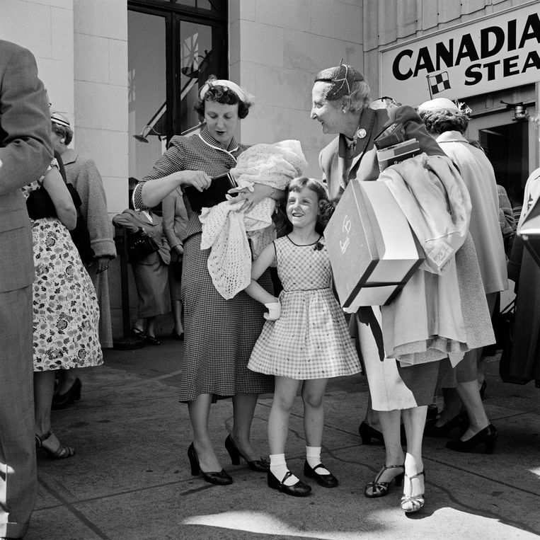 Vivian Maier, 'Canada, 1950'. Beeld Estate of Vivian Maier, Courtesy Maloof Collection and Howard Greenberg Gallery, New York