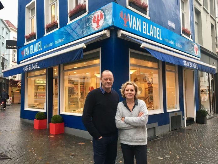 Peter Leyn en Carla Morré, drie jaar geleden, vlak voor de sluiting van hun vishandel in de Wilde Zee in Antwerpen.