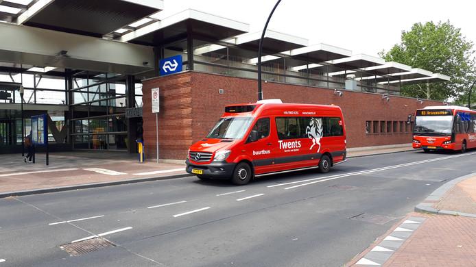 De kans bestaat dat de buurtbus door de Aalderinkshoek weer wordt vervangen door een gewone bus.