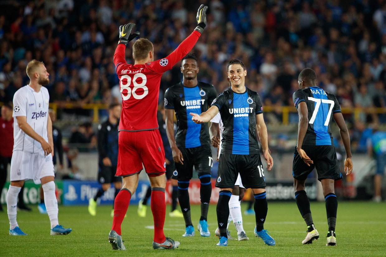 Vreugde bij doelman Simon Mignolet en zijn ploegmaats na de kwalificatie voor de Champions League-groepsfase. Beeld BELGA