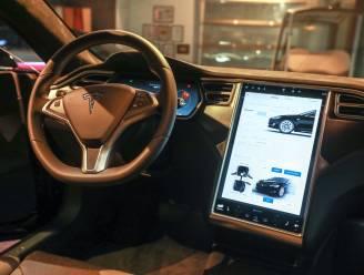 Tesla stapt vanwege dure grondstoffen over op goedkopere accu's