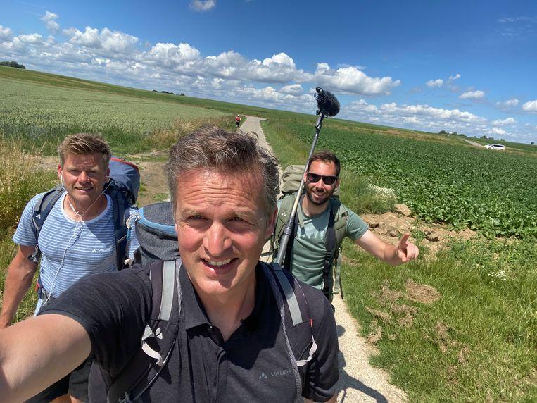 Arnout Hauben en co. in 'Dwars door België'. Beeld VRT