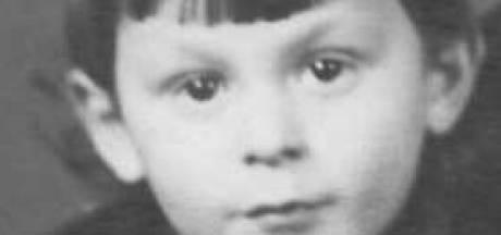 Struikelsteen voor de kleine Robert: geboren in Moergestel, vergast in Sobibor