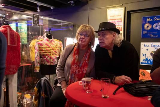 Een groep oude rockhelden van Polle Edard tot Getty Jaspers maakte vorig jaar een vuist om de Rockart Gallery in Hoek van Holland naar Den Haag te laten verkassen.