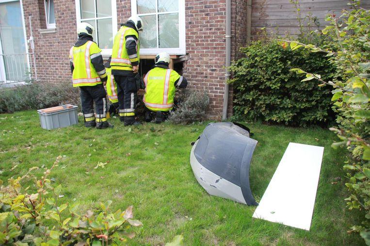 De chauffeur kon snel gevat worden, want hij liet de bumper met nummerplaat achter.