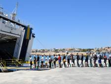 Vanwege corona heeft Lampedusa maar plek voor 90 vluchtelingen, er zitten er 1100