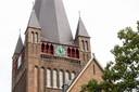 De opgeknapte klokken van de Laurentiuskerk  in 't Ginneke.