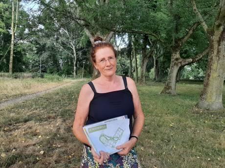Deventerse naar Raad van State voor behoud van park: 'Niet bang om bekend te staan als de vrouw die al die woningen tegenhoudt'