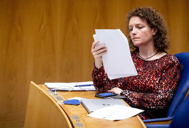 Tweede Kamerlid Renske Leijten (SP) tijdens een debat in april over de toeslagenaffaire.  Beeld ANP