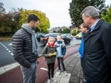 Actie van Juno en Yfke (10) heeft succes: Groenekanseweg in De Bilt is veiliger