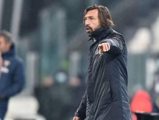 Pirlo zet record neer na late ommekeer, Juventus naar voorlopige tweede plaats na winst in stadsderby