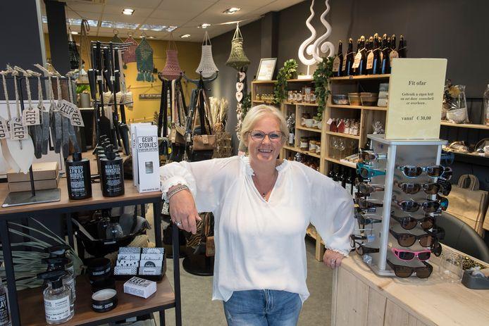 Anja van den Berg in haar winkel.