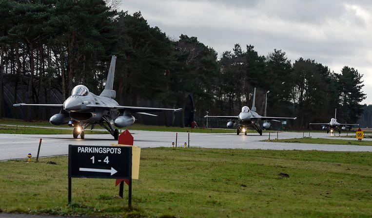 Constructeur Lockheed Martin bevestigt dat het perfect mogelijk is om de F-16's langer in dienst te houden, zonder veel extra kosten. In het model dat Lockheed Martin uittekende, moeten de oudste F-16's pas in 2029 uit dienst worden genomen. Beeld Photo News