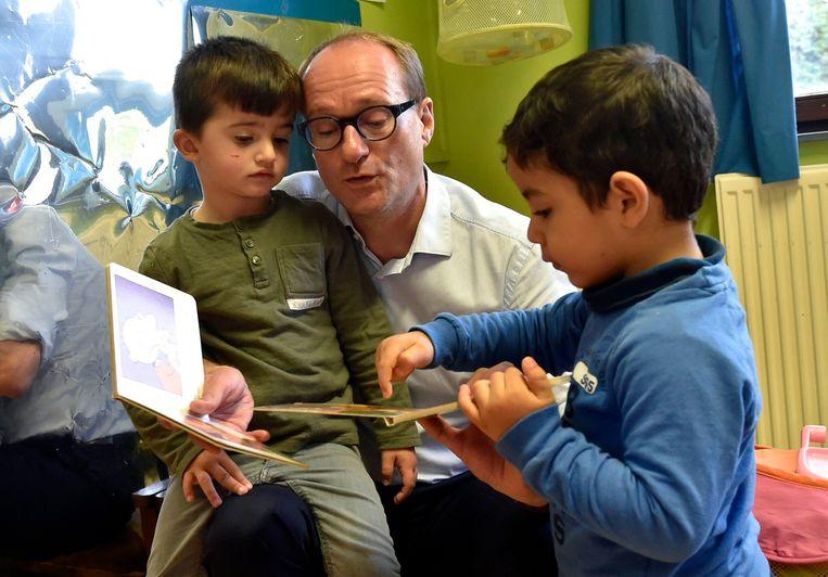 Bezoek van Vlaams minister van Onderwijs Ben Weyts aan de Stedelijke Basisschool De Groene Planeet in Vilvoorde. Beeld Photo News